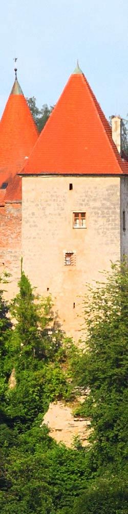 die burg zu burghausen liegt in bayern hoch ber der gleichnamigen stadt. Black Bedroom Furniture Sets. Home Design Ideas