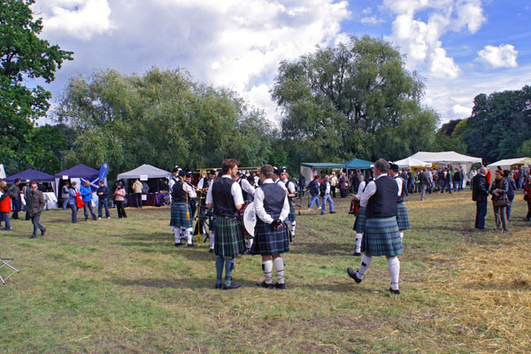 Pipeband auf den Highland Games in Machern